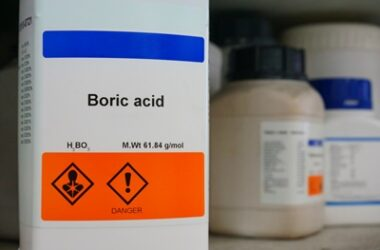 how long does boric acid take to kill cockroaches?